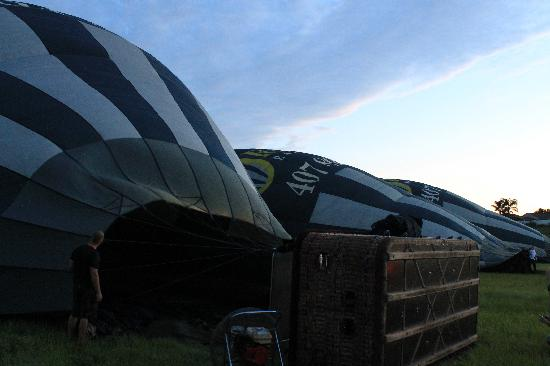 Orlando Balloon Rides: Inflating the balloons
