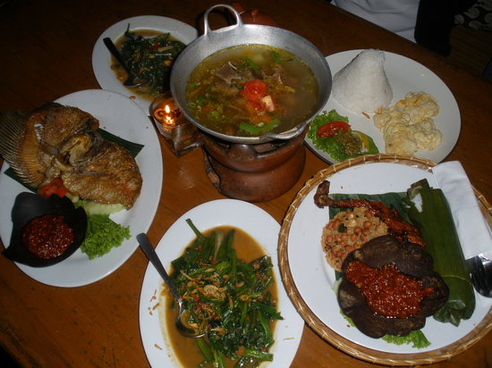 Kampung Daun: The food we ordered for 3 persons