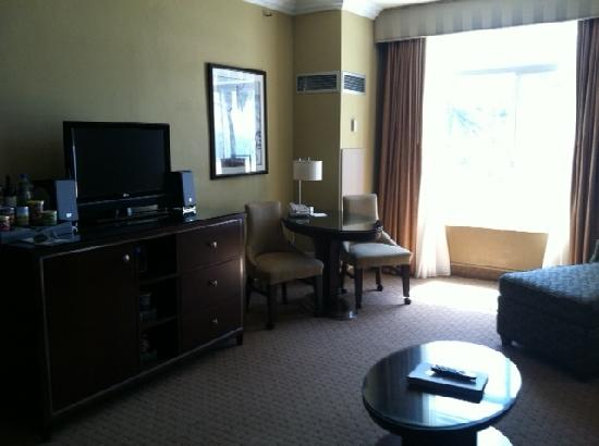 The Georgian Hotel: Oceanview Suite