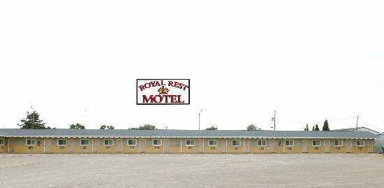 Royal Rest Motel: Exterior
