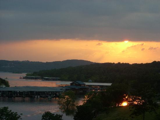 Ridgedale, MO: sunset over the marina