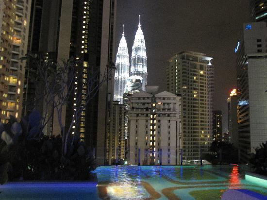 โรงแรมจีทาวเวอร์: View from infinity pool on the 11th floor