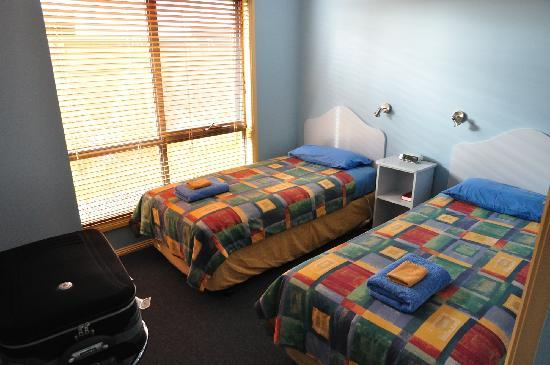 Strahan Bungalows: Second bedroom