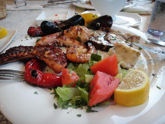 Fato a Mano: 魚介類のグリル