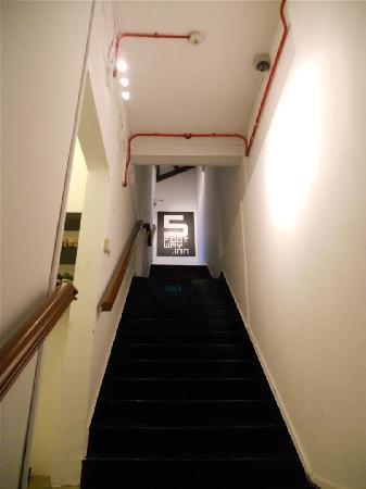 ไฟว์ฟู๊ดเวย์อินน์โปรเจคต์ไชน่าทาวน์: Entrance Staircase