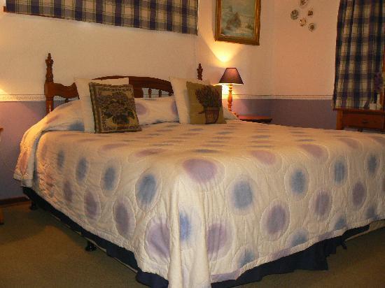 Jean Lee Guest Cottages: Lavender Room