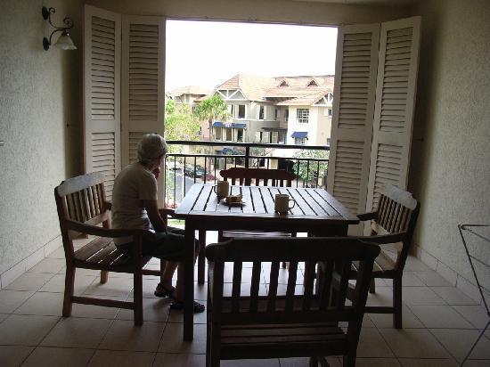 รีสอร์ท & สปาเดอะเลคส์แครนส์: Balcony