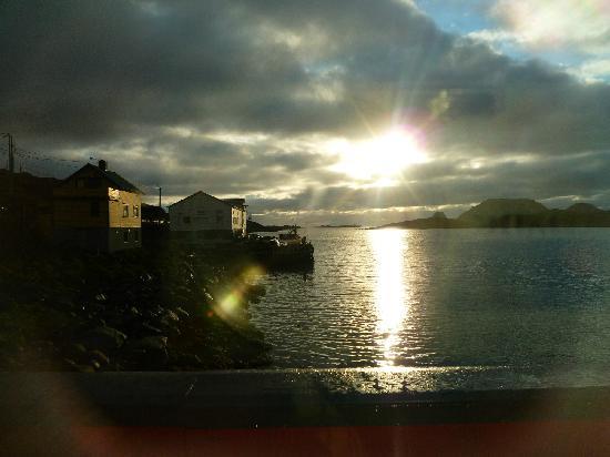 Stappan Seaproducts: soleil de minuit sur la terrasse du Stappan