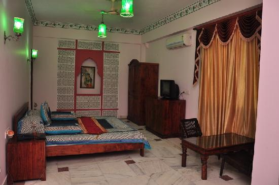 Rani Mahal - A Heritage Hotel: Guest Room