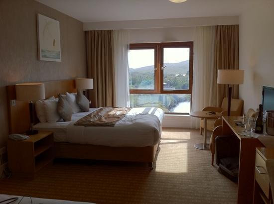 Sneem Hotel: sea view