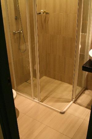 โรงแรมเยงเกงเปนัง: Bathroom 2