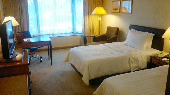 โรงแรมรอยัลพลาซ่า: Deluxe  room