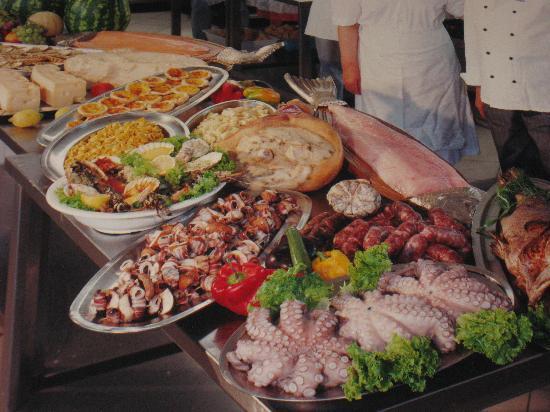 Green Park Villa Boschetti: Carne pesce ottimi dolci.il cibo degli DEI cucinato a  Villa Boschetti