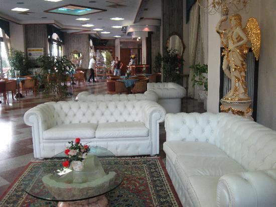 Green Park Villa Boschetti: Grandi sale per cerimonie ma anche sale piccole e intime