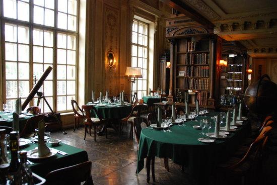 Café Pushkin: 2nd floor dining