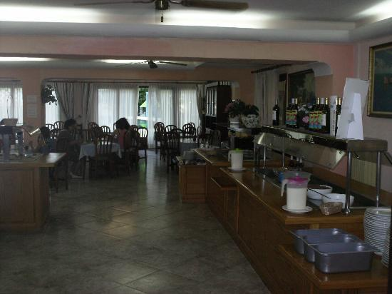 Hotel Antares: hotplate/dining area