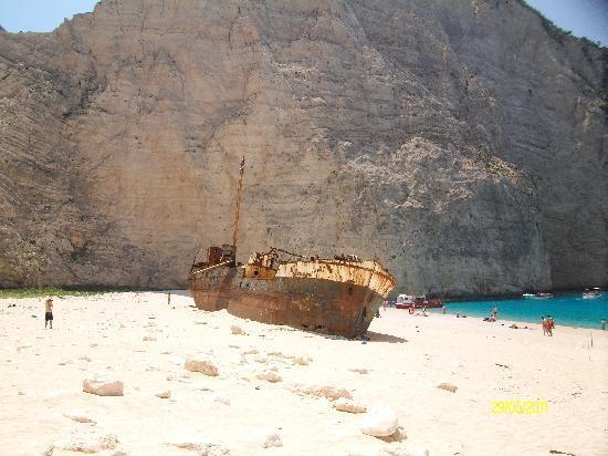 Plessas Palace Hotel: shipwreck