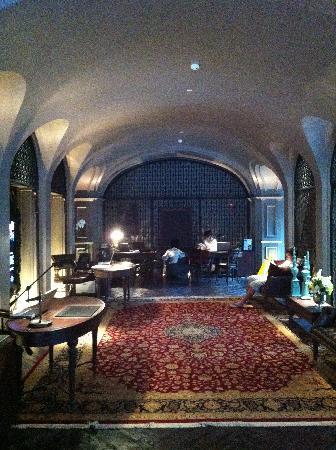 Hotel Muse Bangkok Langsuan, MGallery Collection: the lobby
