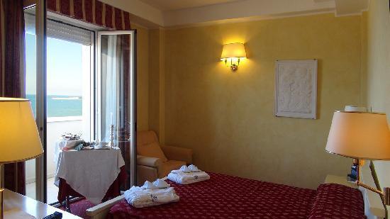 Camera da Letto - Picture of Hotel Imperial Beach, Rimini - TripAdvisor