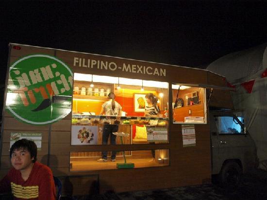 Mercato Centrale: Filipino-Mexican food