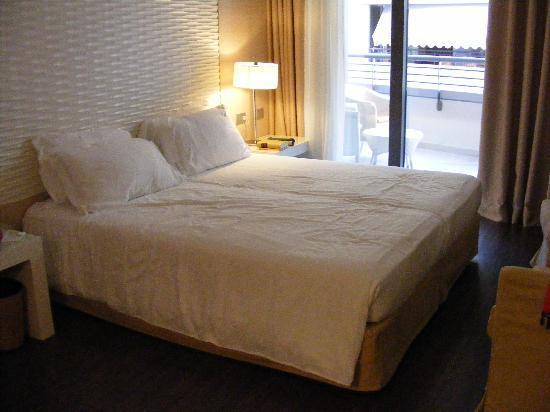 Laguna Palace Hotel: Our room
