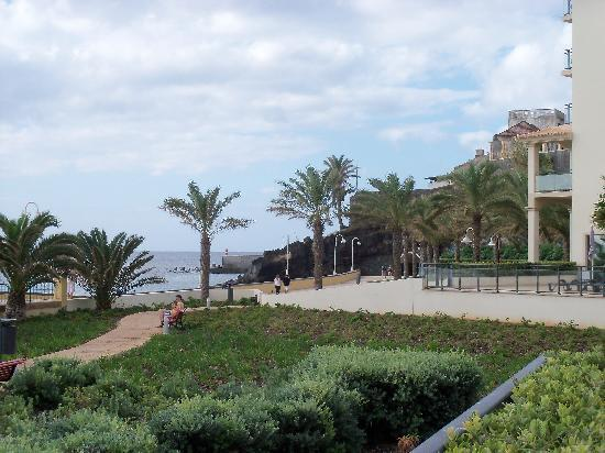 Vila Galé Santa Cruz: view from hotel garden