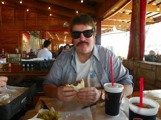 Rudy's Country Store & Bar-B-Q: Moist brisket sandwich