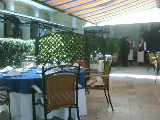 Gundel Etterem: i tavoli all'aperto