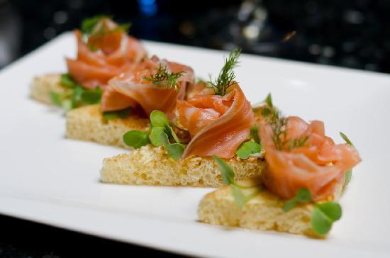 Green Mango: Smoked salmon on brioche toast