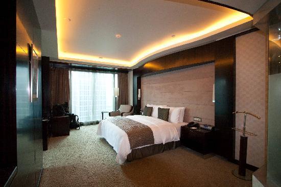 แกรนด์ เคมพ์ปินส์กี้ โฮเต็ล เซี่ยงไฮ้: Foto de la habitación