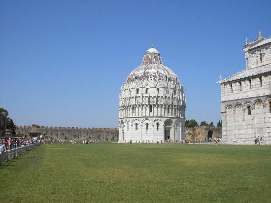 Duomo di Pisa: die Taufkirche zum Dom zu Pisa