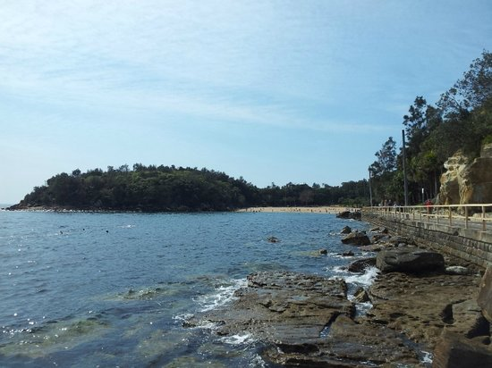Manly, ออสเตรเลีย: looking at Shelly Beach from the Bower