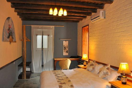 Secret Garden Boutique Hotel : Standard Room with bay window