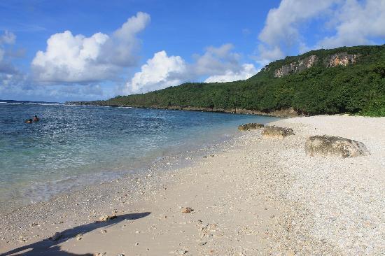 Marianas Trekking: Beach