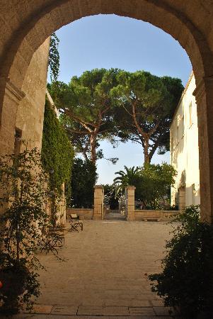 Palazzo Guglielmo Albergo Diffuso: entrance