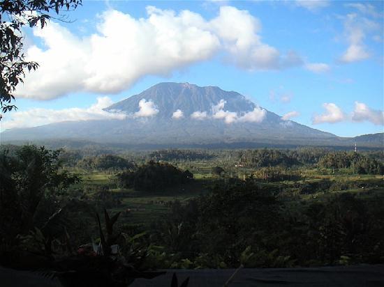 Patal Kikian: Le Mont Agung ...