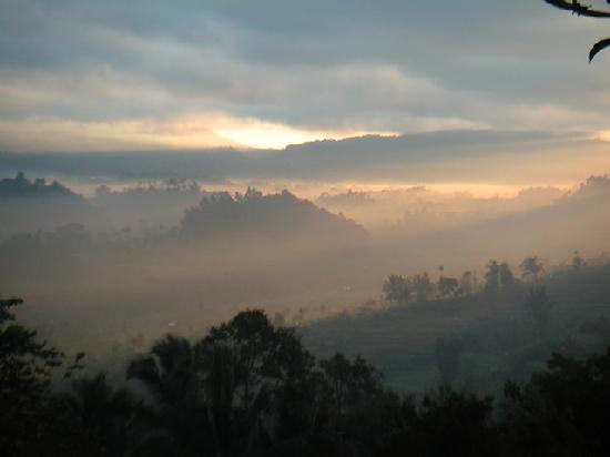 Patal Kikian: Le lever du soleil, à 6h00 ...
