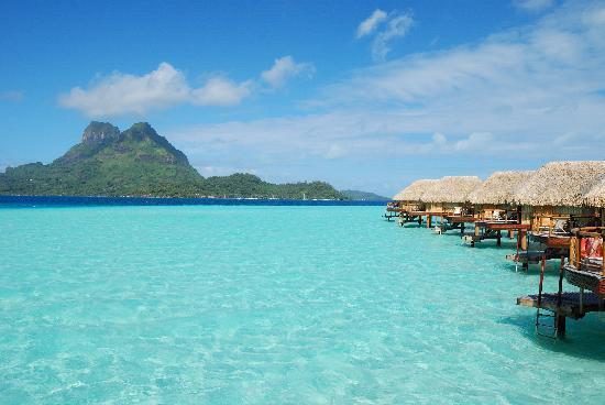 Bora Bora Pearl Beach Resort & Spa: Overwater sulla luaguna