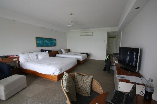 Reef View Hotel: Large room