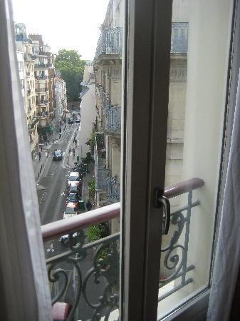 Hotel Saint Christophe : Views from Room 52