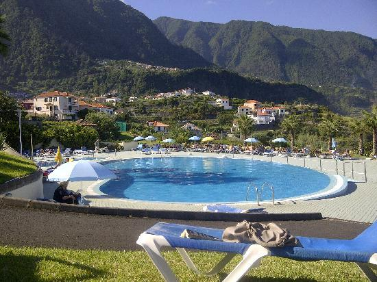 Ponta Delgada, Portugal : Overlooking the pool