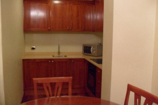 โรงแรมเวสทิน กัลเลส: Kitchen & dining