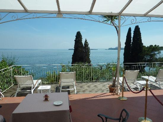 Hotel Villa Florida: Garda view from room