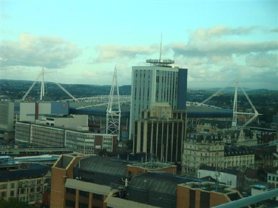 Radisson Blu Hotel, Cardiff: View towards the Millenium Stadium from our bedroom