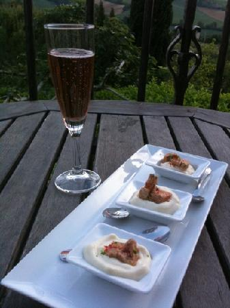 Cuq en Terrasses: Foie gras with Parsnip Mousse, and champagne...our sunset's accessories