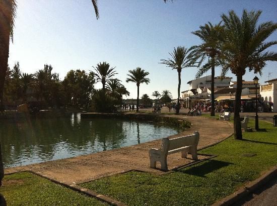 BelleVue Club: Lovely water ways running through the resort