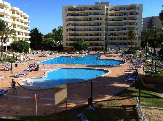 BelleVue Club: LEDA pool - the noisy one!