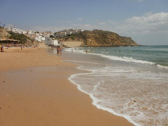 Beach Bar Burgau: Midday at the Beach Bar