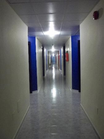 Sol Lunamar Apartments: Corridoio