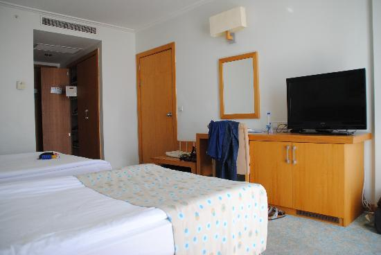 Miracle Resort Hotel: Bedroom